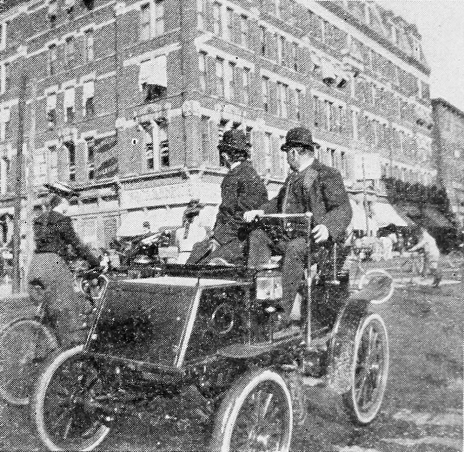 DistractedDriving1899